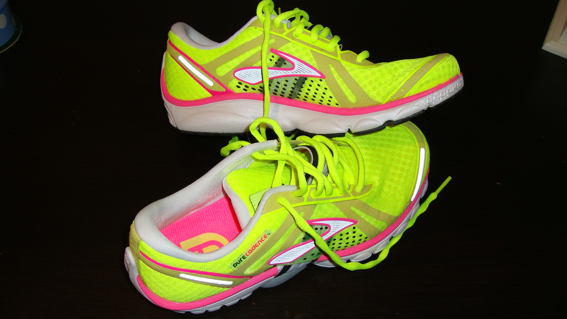 neon yellow running shoe | Little Miss 312
